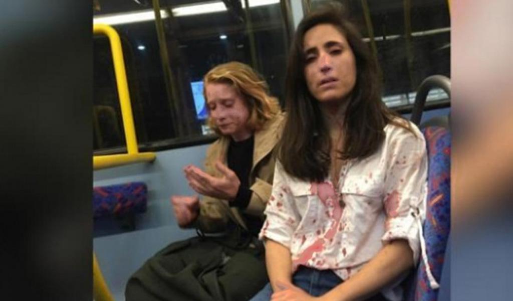 Pareja gay fue acosada y golpeada en un bus de Londres