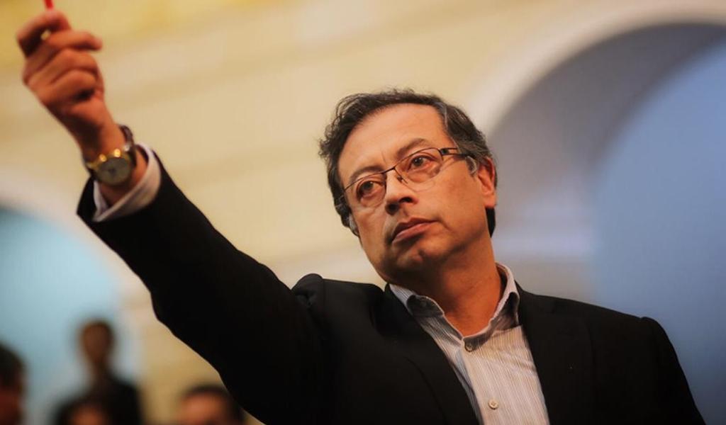 Periodistas que recibieron dinero de Odebrecht, según Petro