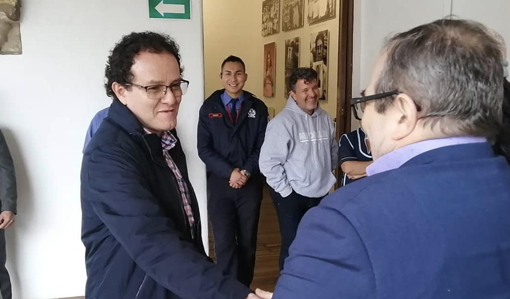 Timochenko visitó 'El Testigo' de Jesús Abad Colorado
