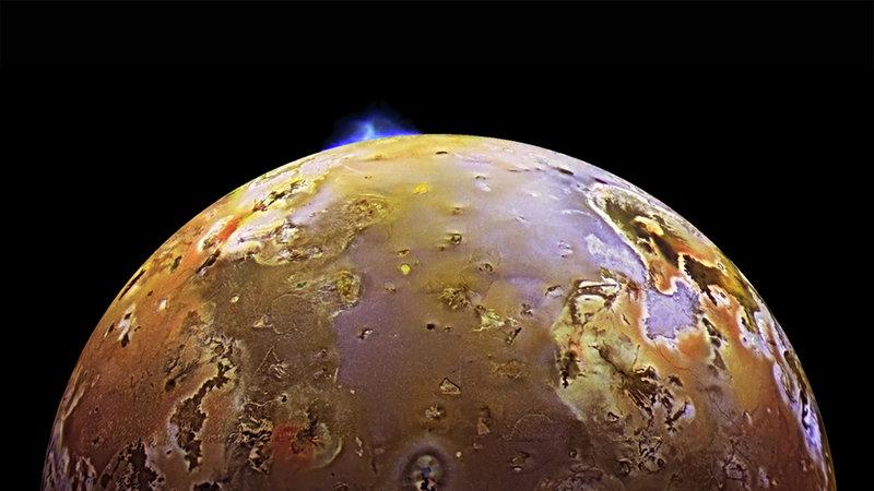 La Luna y sus constantes erupciones volcánicas