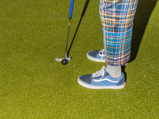 ¿Cómo vestir para encajar en el universo del golf?