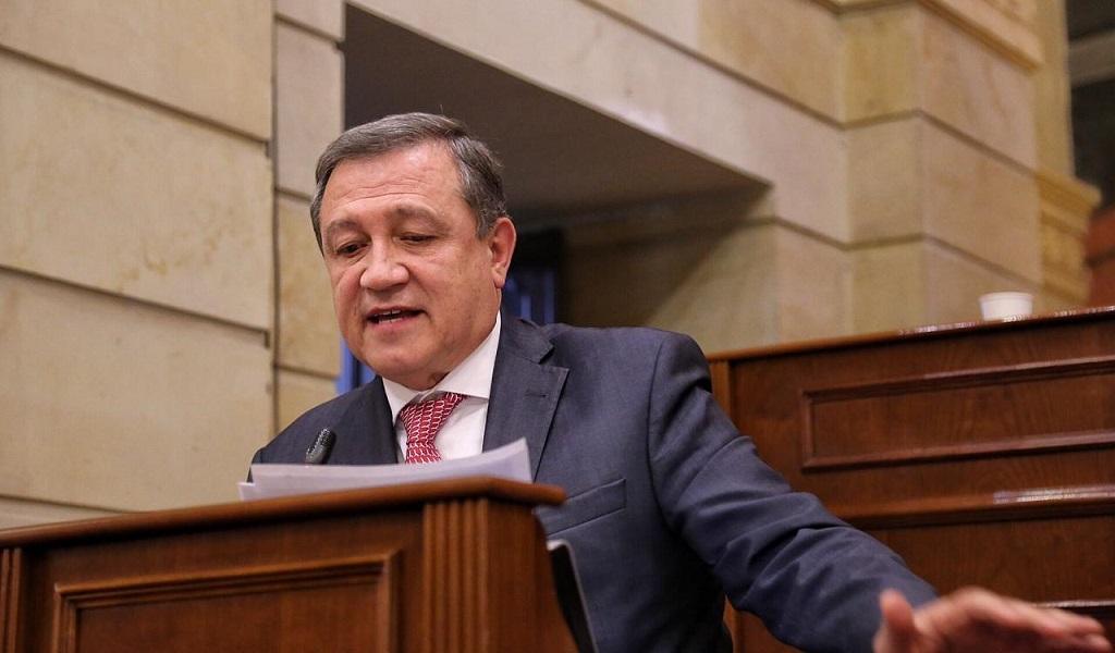 """Macías y su """"última jugadita"""" como presidente del Senado"""