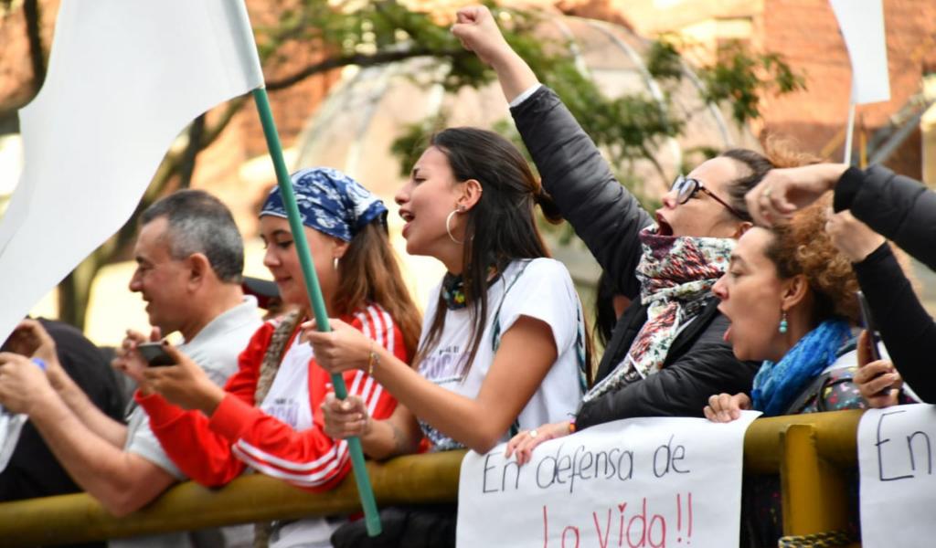 En vivo: Concentración por líderes sociales en Plaza de Bolívar