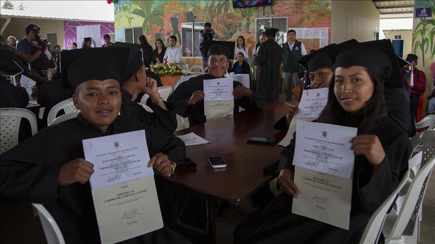 Universidad colombiana otorga 44 cupos a excombatientes