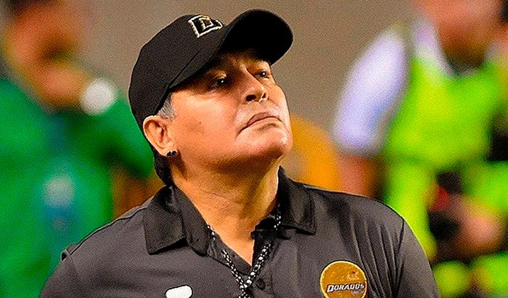 Diego Maradona mandó a callar niños en México