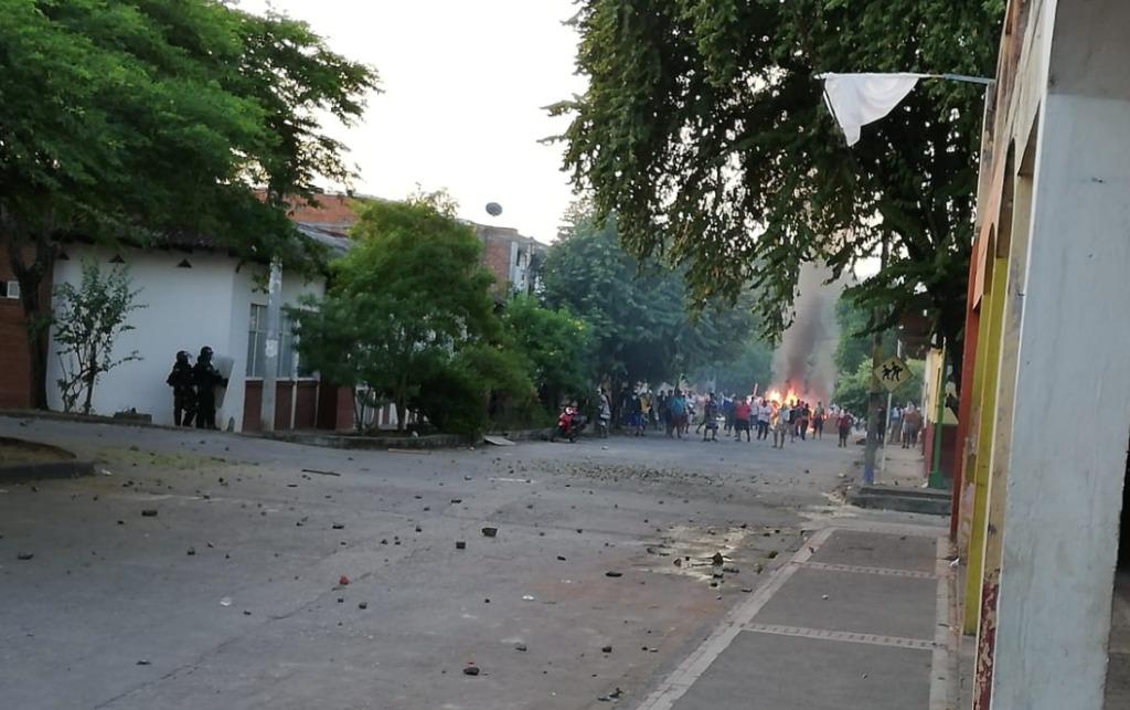 Disturbios entre Esmad y comerciantes en Natagaima