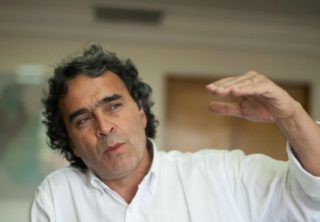 Sergio Fajardo se disculpa por no salir a marchar