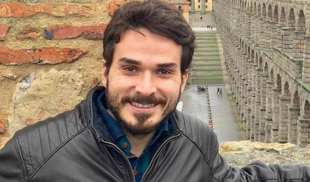 Colombiano gana premio a neurocirujano joven del año