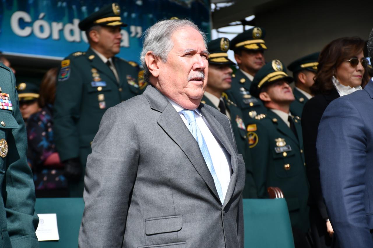 Canciller de Venezuela condena muerte de niños en Colombia