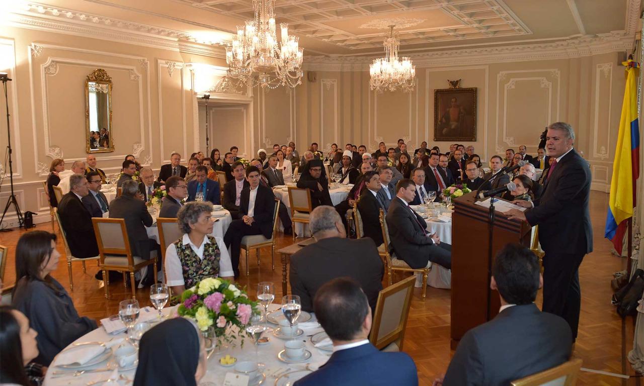 Duque reivindica papel de la Iglesia en Colombia