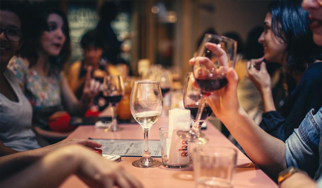 Consumo de alcohol en niños se asocia con conductas familiares