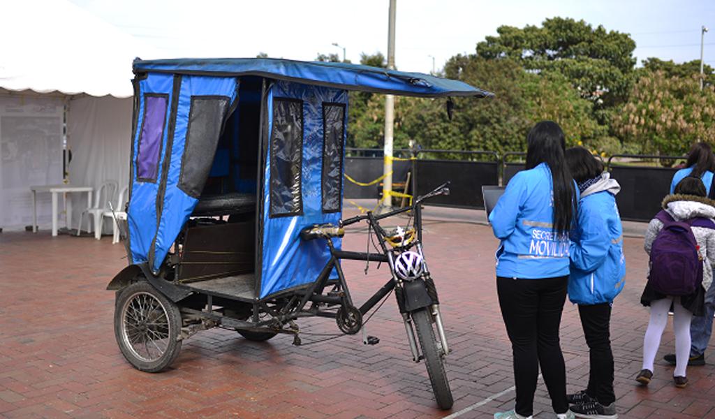 Cantidad de bicitaxis en Bogotá preocupa al Distrito