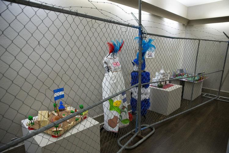 El arte tranquiliza a los niños detenidos en Texas