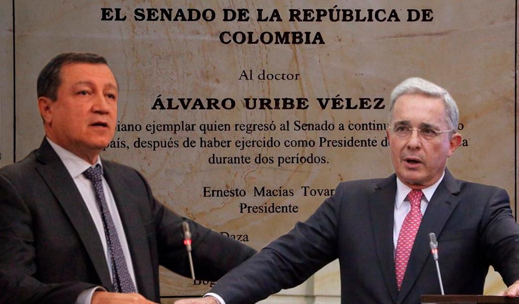 Placa en honor a Uribe en Congreso causa controversia