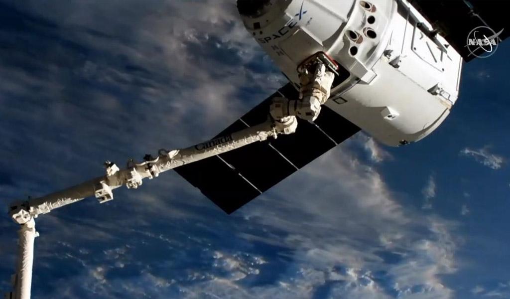 Space X llega con 'Dragon' a la Estación Espacial