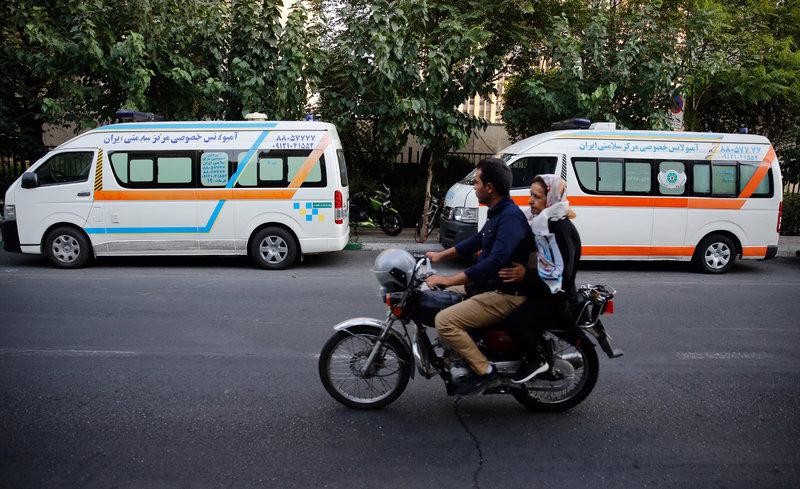 En Teherán piden ambulancias para diligencias personales