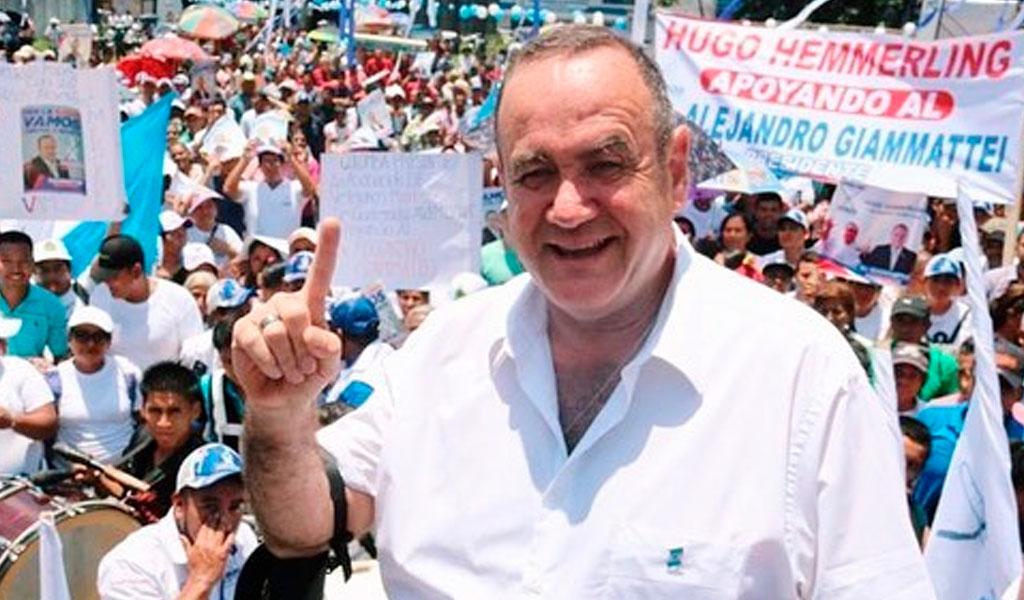 """Giammattei recibe una Guatemala """"en malas condiciones"""""""