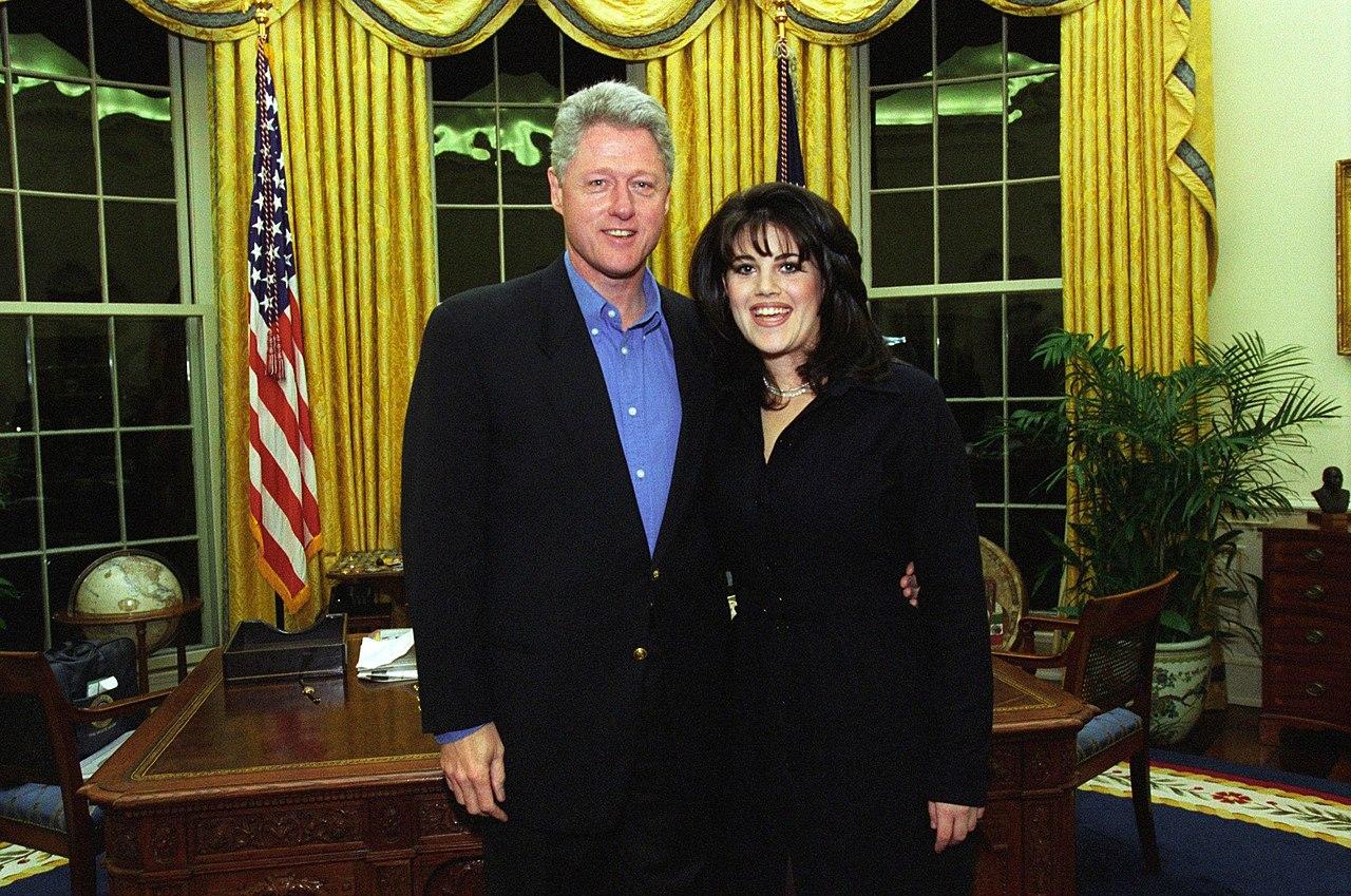 A la TV escándalo sexual Bill Clinton-Monica Lewinsky