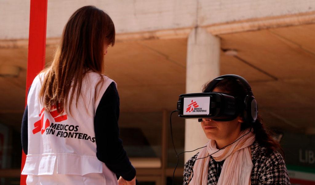 Bogotanos visitan campos de refugiados con realidad virtual