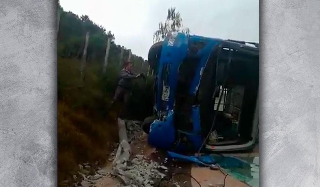 Se volcó SITP en Bogotá: reportan heridos