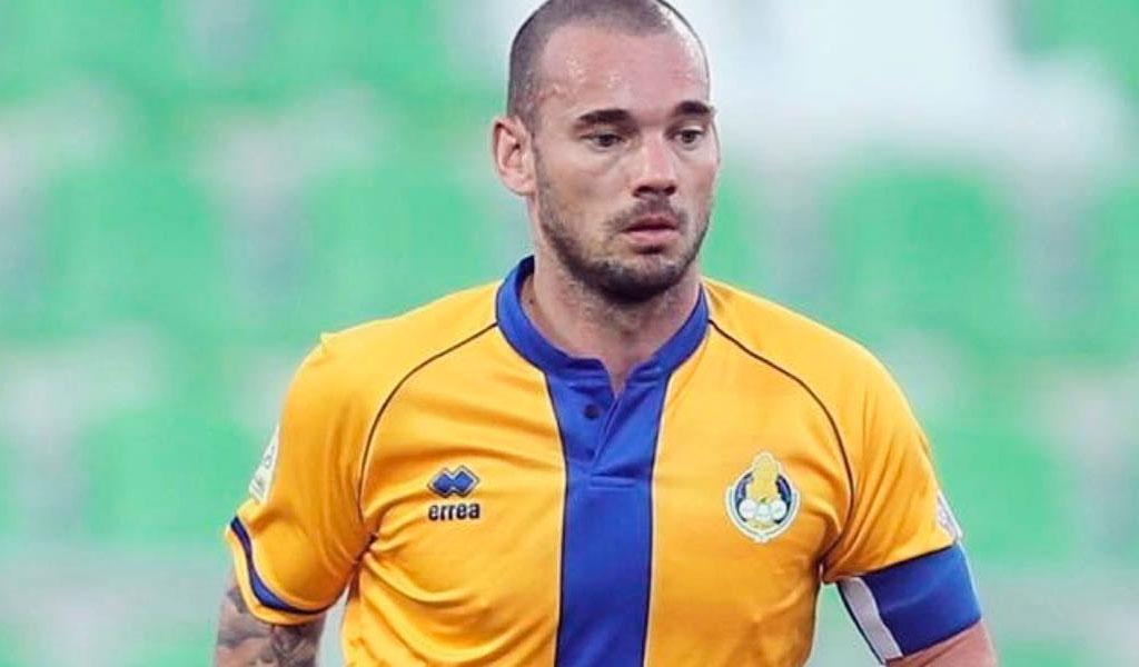 Wesley Sneijder se retira de las canchas