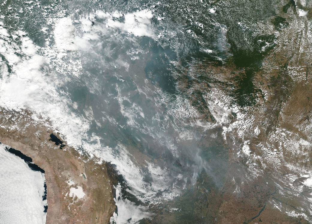 NASA emite alerta sobre humo de incendios en la Amazonía