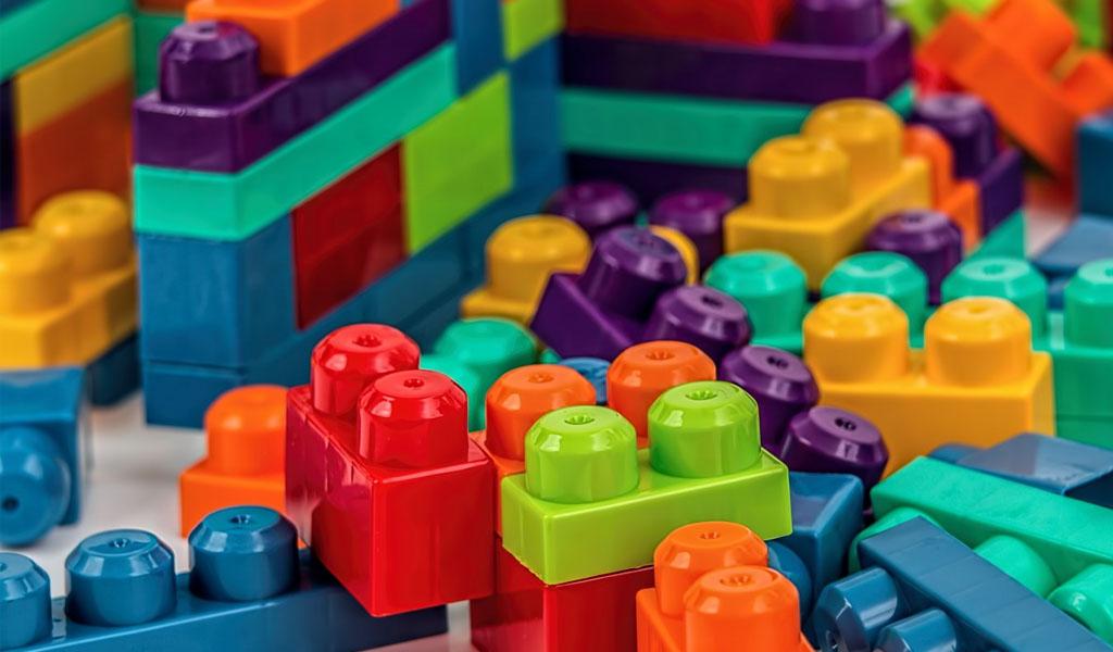 ¿Cómo enseñar marketing digital con fichas de lego?