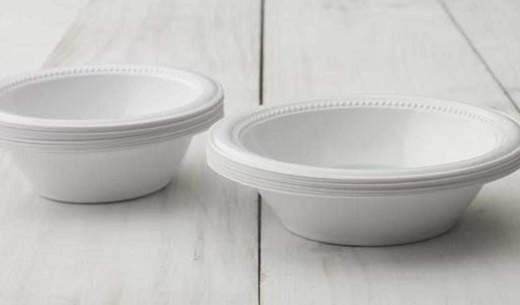 Crean platos comestibles que reemplazan los de plástico