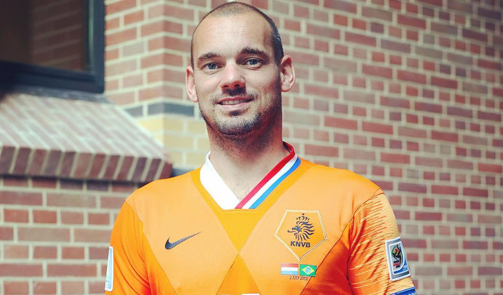 Wesley Sneijder disfruta del retiro más de la cuenta