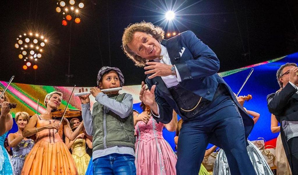 Un niño se robó el show en el concierto de André Rieu