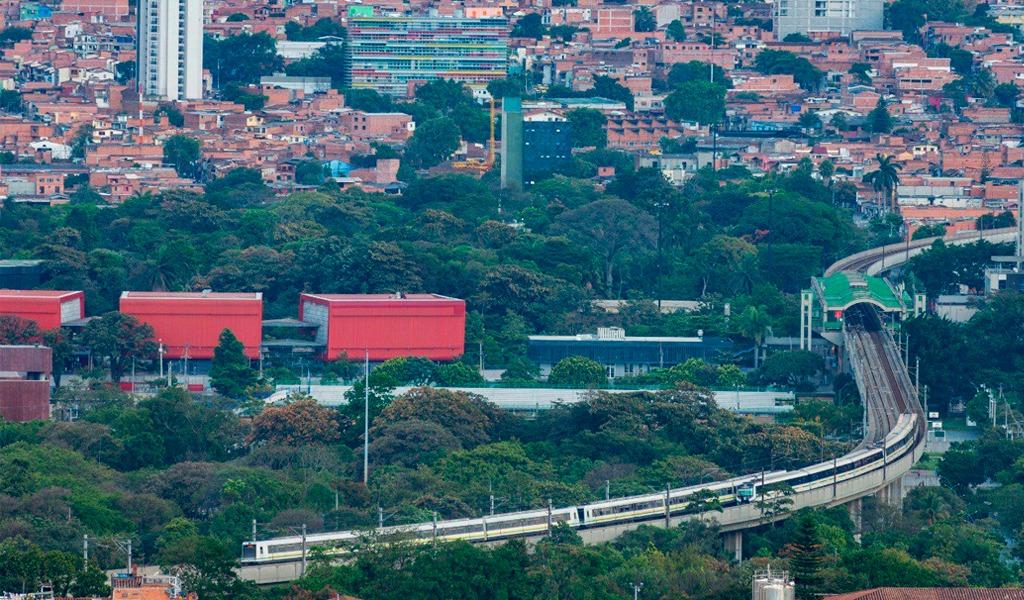 En Medellín inició cumbre sobre economía naranja