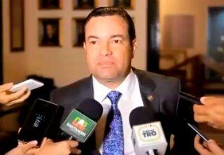 Detención domiciliaria para gobernador de Santander