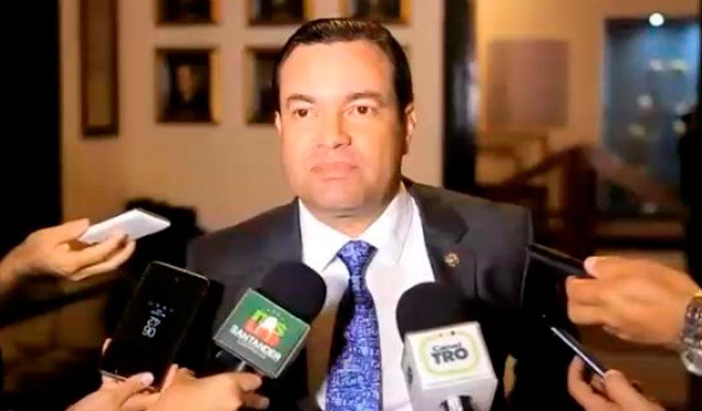 Gobernador de Santander, a responder por presunta corrupción