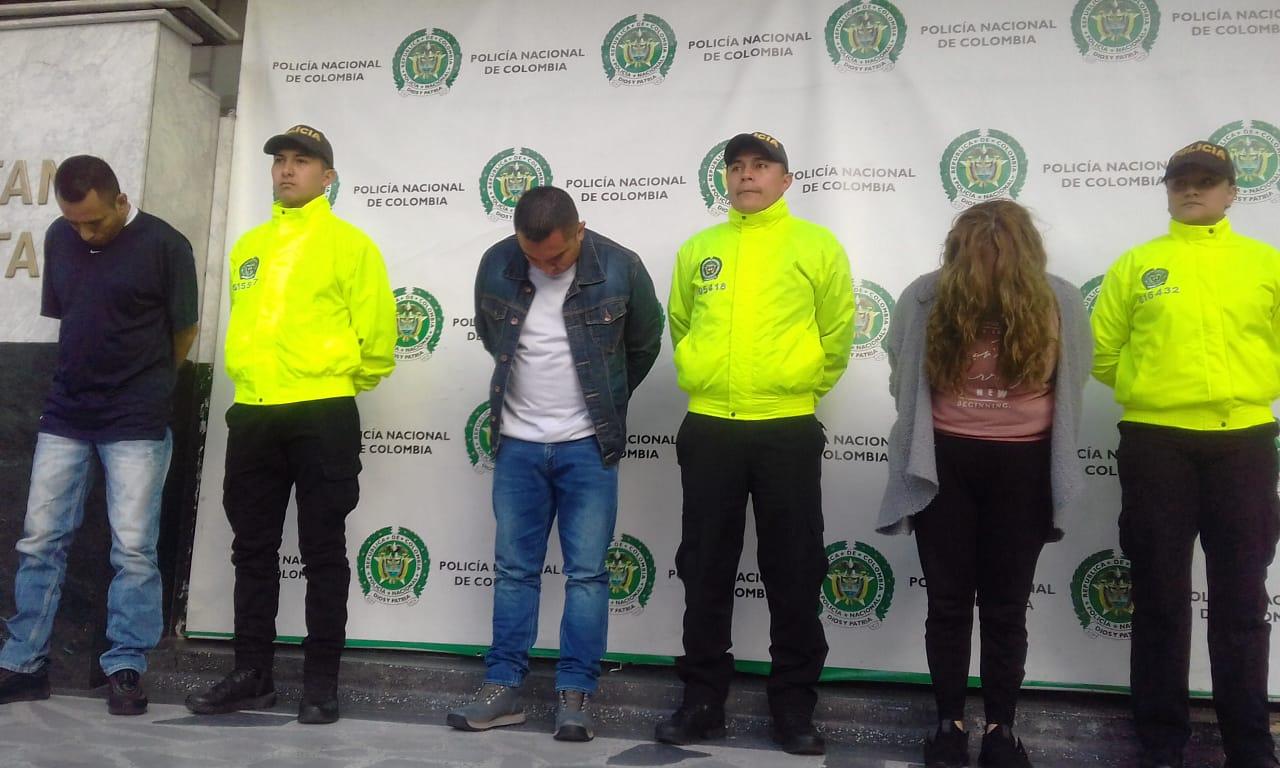 Vinculan asalto a joyería con ataque a uniformados en Bogotá