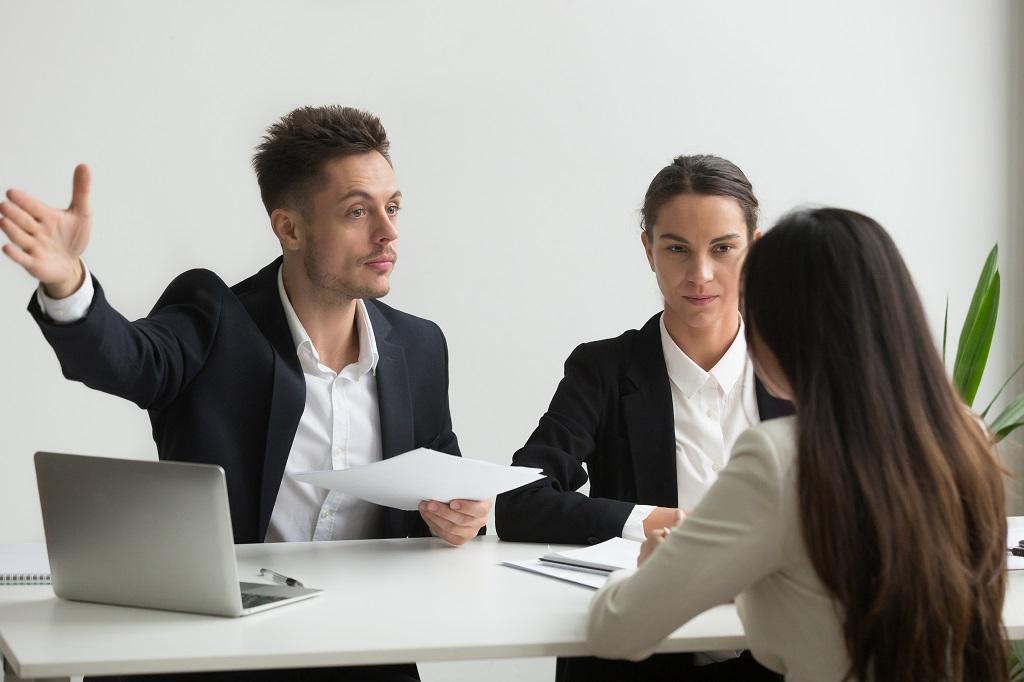 ¿Cómo desvincular laboralmente a un colaborador?