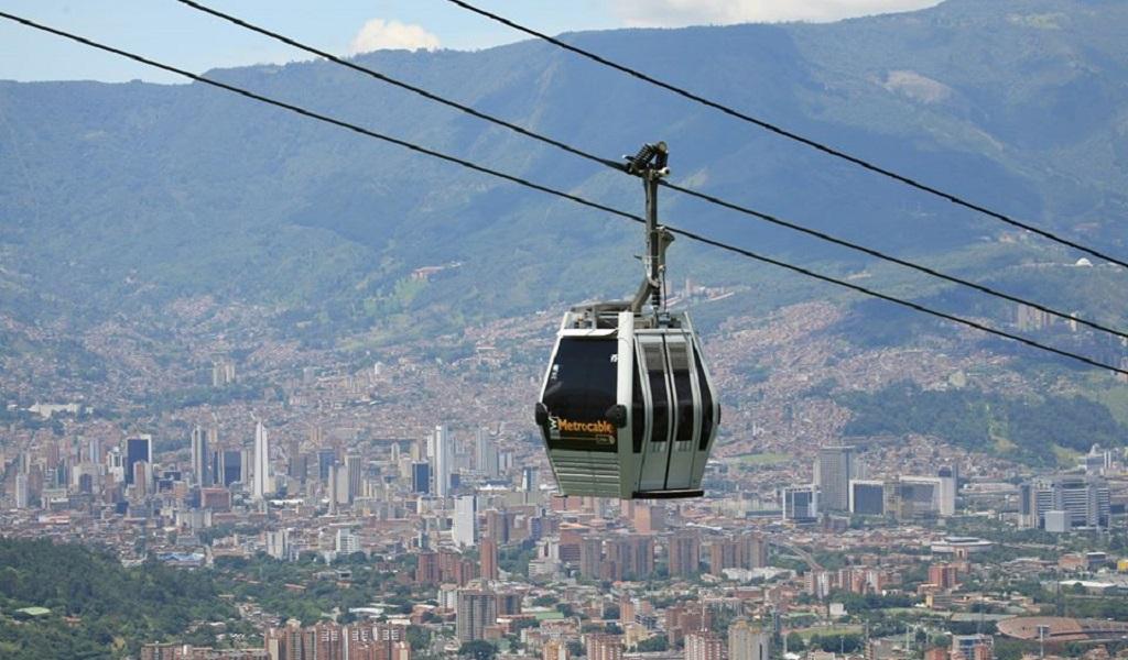 Cierre parcial en la Regional por obras del metrocable el Picacho