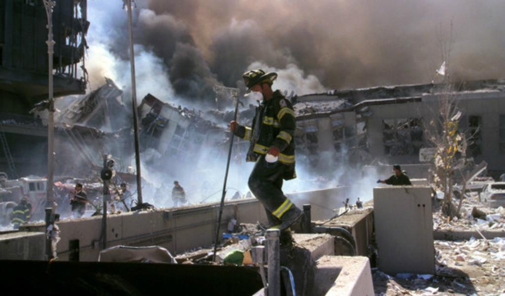 ¿Por qué siguen muriendo bomberos y policías del 9/11?