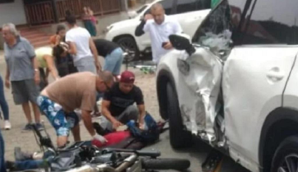 Futbolista involucrado en un accidente de tránsito