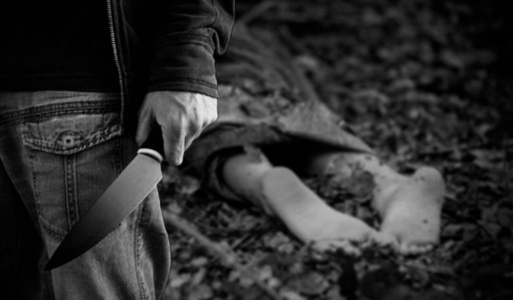 Degolló a su hija y la enterró en el patio de la casa