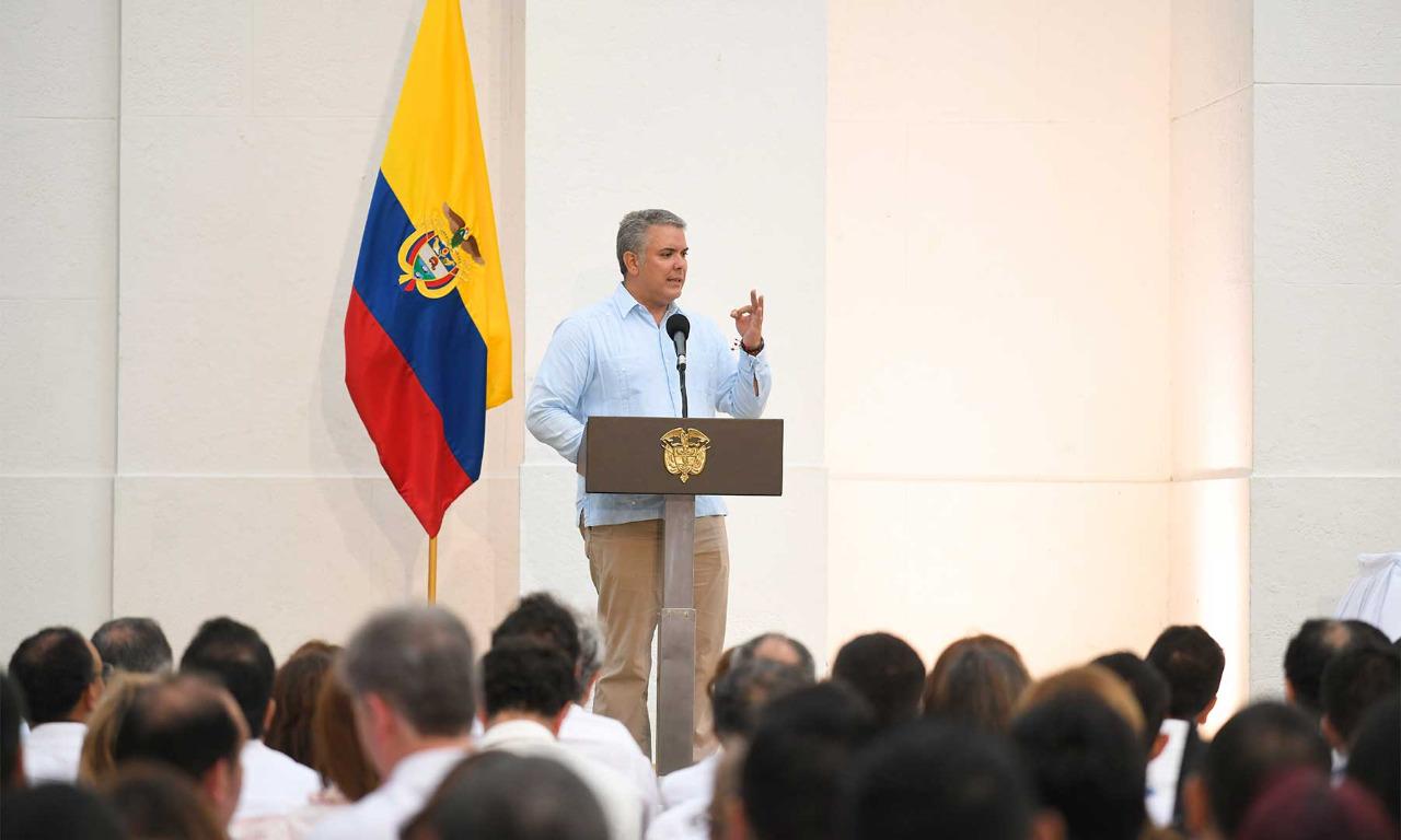 "Duque califica de ""bravuconada"" amenaza de Maduro"