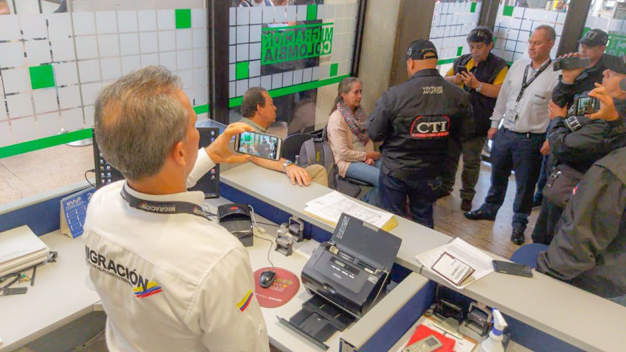 Detienen al subcontralor de Antioquia en el aeropuerto