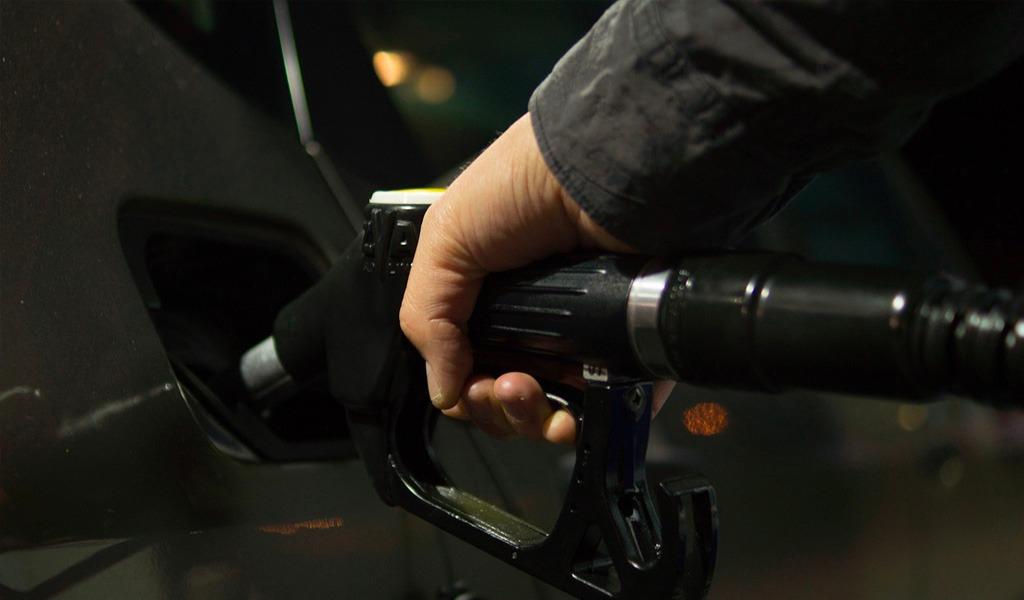 Suspenden estaciones de gasolina por estafa