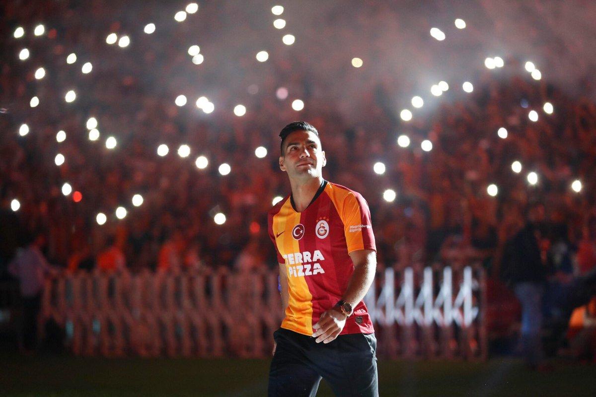 Falcao, a la espera para debutar con el Galatasaray