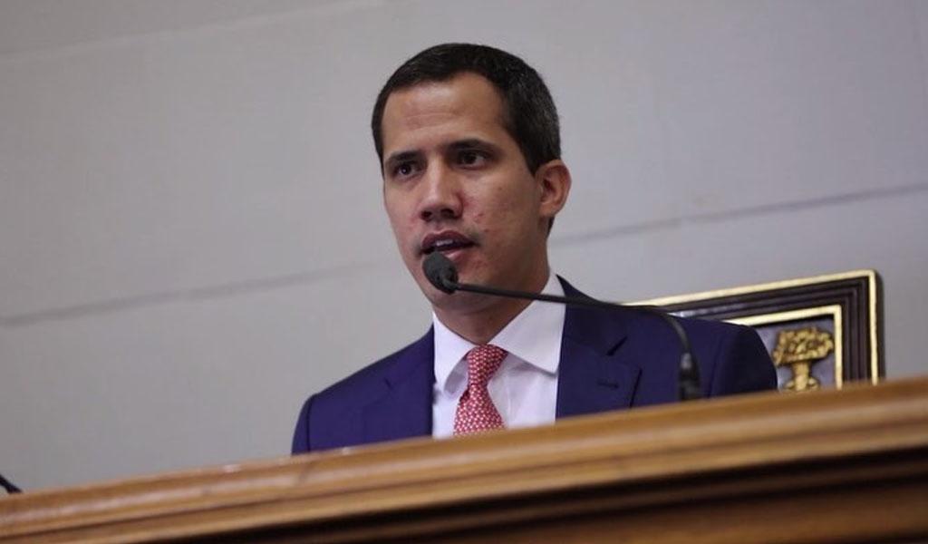 Fiscalía venezolana investigará a Guaidó