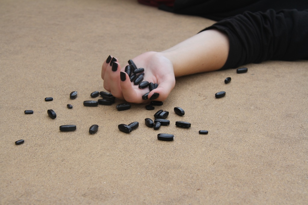 Cada 40 segundos se suicida una persona: OMS