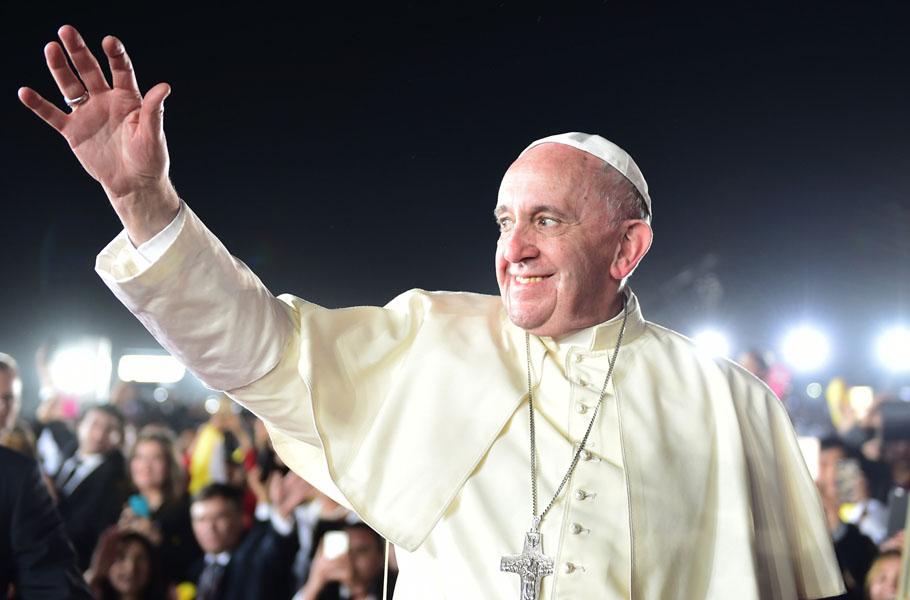 Papa Francisco quedó encerrado en un ascensor