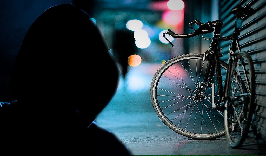Delincuentes asesinaron a un joven por robarle la bicicleta