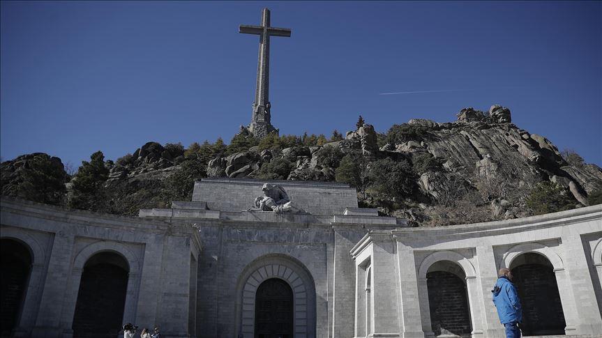 Aprobaron exhumación de los restos de Francisco Franco