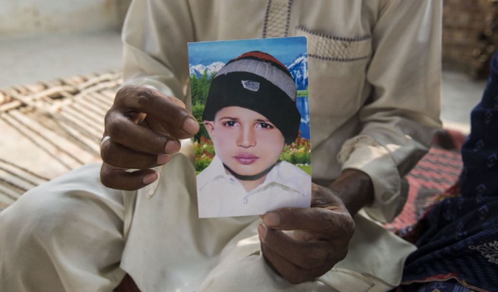 Muertes de niños horrorizan en Pakistán