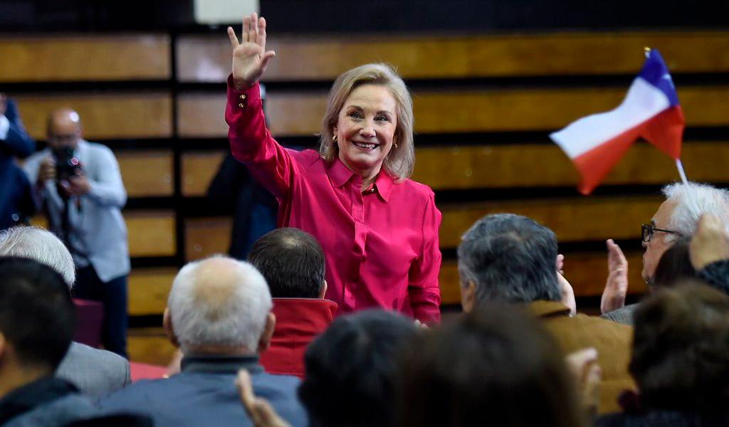 """""""Lo que viene es muy grave"""": primera dama de Chile"""